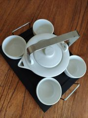 Teeservice mit Serviertablett
