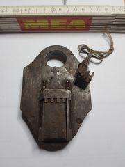 Suche alte Vorhangschlösser Schlüssel ganze