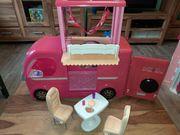 Großes Barbie Wohnmobil