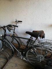 Alte Fahrräder für Bastler