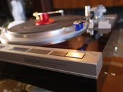 Denon DP47f High End Plattenspieler