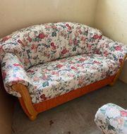 2 Sitzer Couch und Sessel