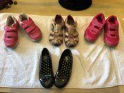 Schuhe im Paket je Gr