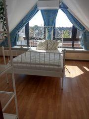 Großes ruhiges Zimmer im Dachgeschoss