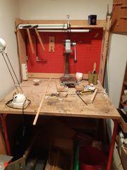 Werkzeugbank und Werkzeugschrank