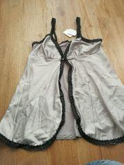 Damen und Herren Dessous Kleidung