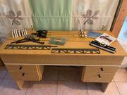 Veritas Doppelbett-Strickmaschine mit Tisch und