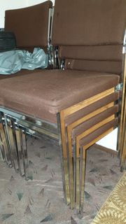 Stapelstühle Stühle Metall Stoff braun