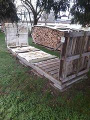 Große stabile Holzpalette zu verschenken