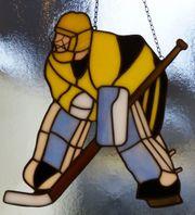 Fensterbild Handarbeit aus Glas Eishockeytorwart