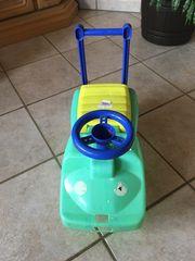 Bobbycar mit Spielzeugfach