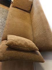 Kord-Sofa mit klappbaren Armlehnen