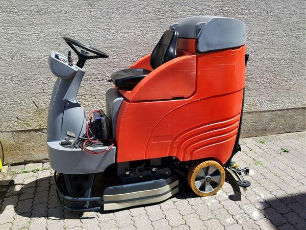 Hakomatic B 750 R Aufsitz - Scheuersaugmaschine