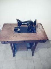 Historische Nähmaschine von Anker