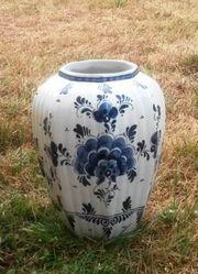 Keramikvase weiß blau Marke Erbstricka