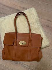 Sehr gut erhaltene Lederhandtasche