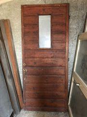 Holztüre mit Glaseinsatz