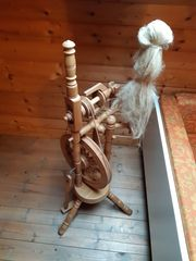 Spinnrad aus Holz