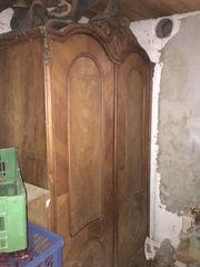 Antiker Holzschrank