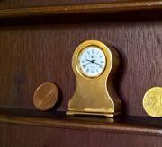 Messing-Miniatur-Tischuhr
