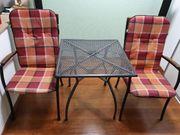 Solide Gartenmöbel Set mit Sitzauflagen