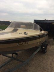 Motorboot und 70ps Mercury Außenborder