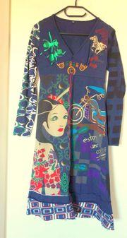 NEU tolles langärmeliges Kleid im