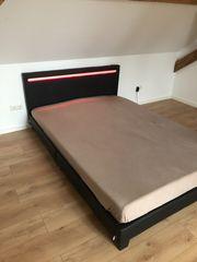 Neues Bett mit LED Beleuchtung