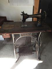 Antike Nähmaschine Phoenix