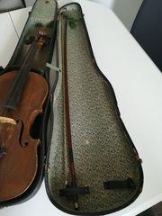 Alte Geige inklusive Geigenbogen Kinnhalter