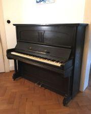 Klavier von H Maurer Jugendstil