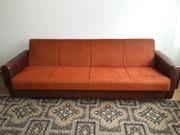 4-Sitzer Couch und einen Sessel