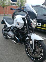 BMW R1200R dark white