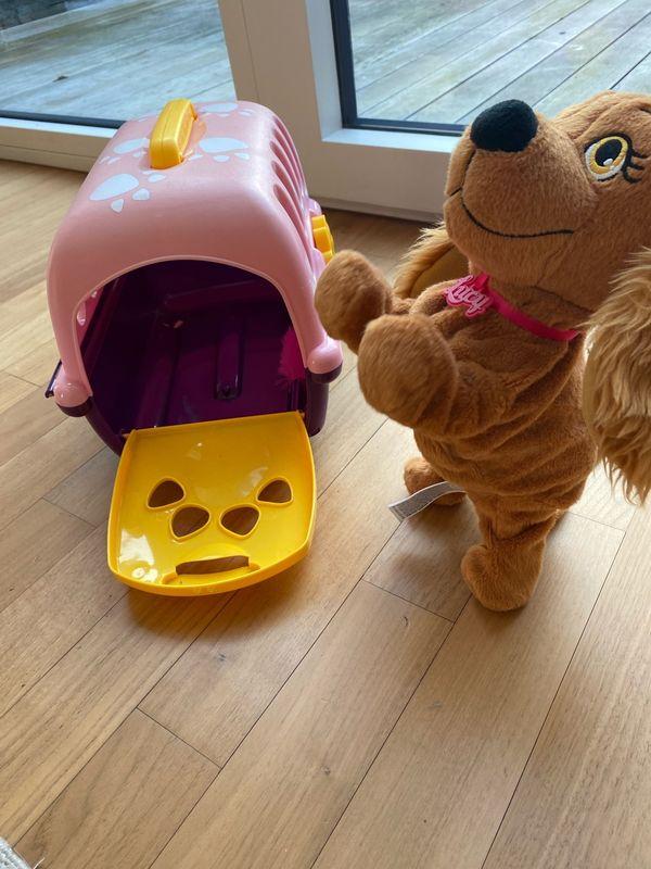 Hund Lucy Hundebox samt Inhalt