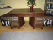 Schreibtisch 1900 herausklappbare Seitenteile nußbaumgebeizt