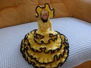 Schöne Puppe Handarbeit aufgehäkelt gelbes
