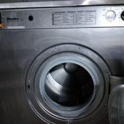 3 defekte Industriewaschmaschinen Miele Cordes