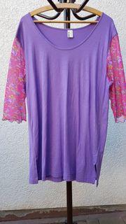 Neuwertiges modisches Long-Shirt in Lila