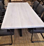 NEU - Eiche Massiv Tisch - gekälkt