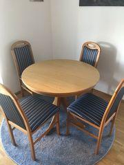 Holztisch ausziehbar und 4 Stühle