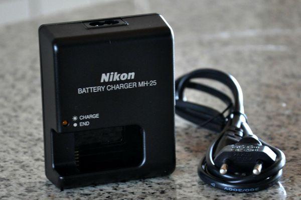 Nikon MH-25 Ladegerät für Nikon