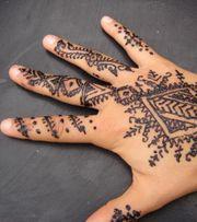 Henna Tattoo Künstlerin gesucht