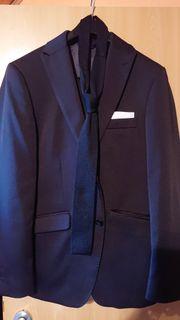 Designer Anzug von Bruno Banani