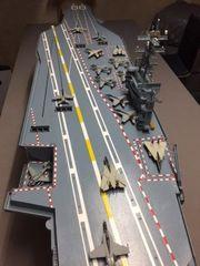 RC-Modellschiff Nimitz Flugzeugträger 1 200