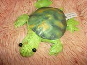 neuwertige schildkröte beanie grüntöne 14