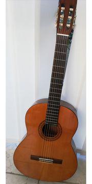 Yamaha Gitarre mit Tasche