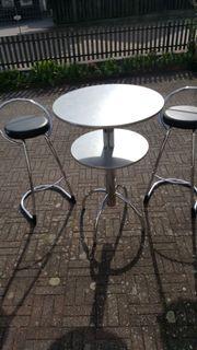 Bistro-Tisch mit 2 Bar-Hockern für