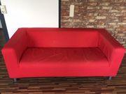 Rotes Sofa Klippan von Ikea
