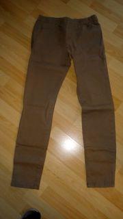 Neue braune Jeans mit Gummizug
