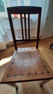 1 einmaliger schöner Holzstuhl mit